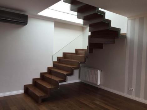 schody 11 samonośne
